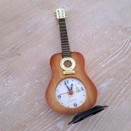 Montre forme guitare classique jaune