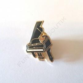 Pins piano a queue miniature