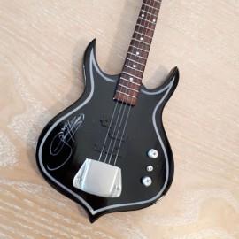 Guitare basse noire à poser Gun N Roses