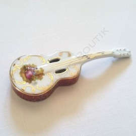 Guitare manouche façon Chorus de Di Mauro
