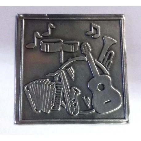 Etiquette en métal musique